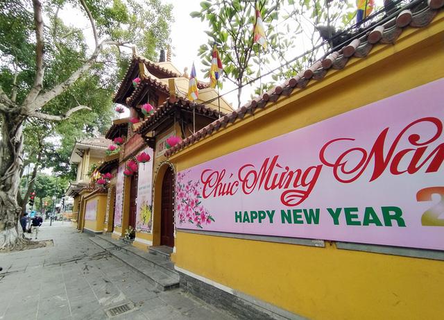 Cơ sở tôn giáo, điểm di tích, tâm linh ở Hà Nội dự kiến mở lại đúng ngày 8/3 - Ảnh 2.