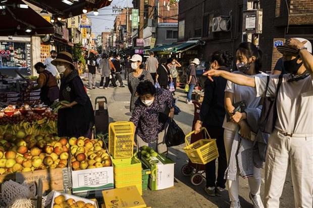 Hàn Quốc chuẩn bị đưa cuộc sống quay trở lại trạng thái bình thường  - Ảnh 1.