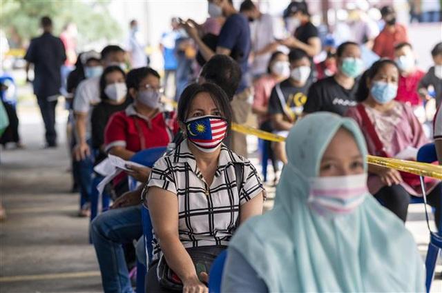 Các địa phương của Malaysia đã mở cửa trở lại từ ngày 11/10. Những người đã tiêm chủng đầy đủ vaccine ngừa COVID-19 sẽ được đi lại tự do trên khắp Malaysia tùy theo nhu cầu cá nhân