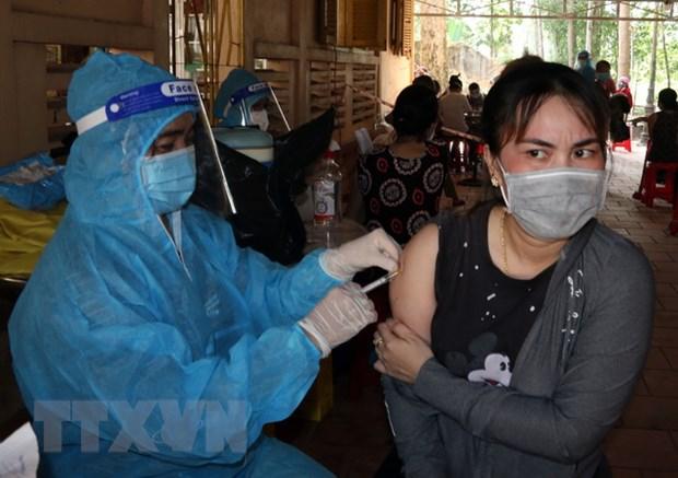 Kiên Giang: Tiêm vaccine phòng COVID-19 an toàn, kịp thời và hiệu quả - Ảnh 1.