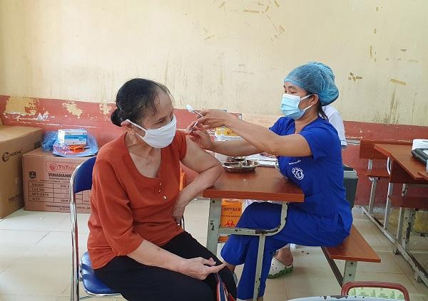 Gần 1000 y bác sĩ BV Bạch Mai hỗ trợ thủ đô chống dịch - Ảnh 5.