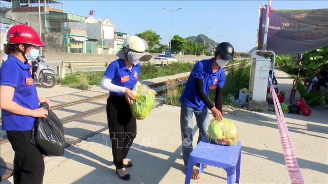 Tuổi trẻ thị xã Hoàng Mai tình nguyện tham gia chống dịch - Ảnh 3.
