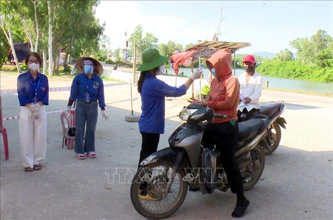 Tuổi trẻ thị xã Hoàng Mai tình nguyện tham gia chống dịch - Ảnh 2.