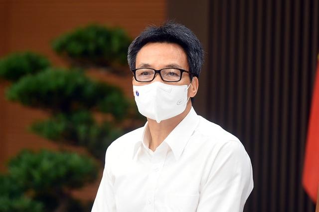 Phó Thủ tướng: Phấn đấu hết tháng 8 tiêm xong vaccine COVID-19 cho công nhân khu công nghiệp - Ảnh 2.