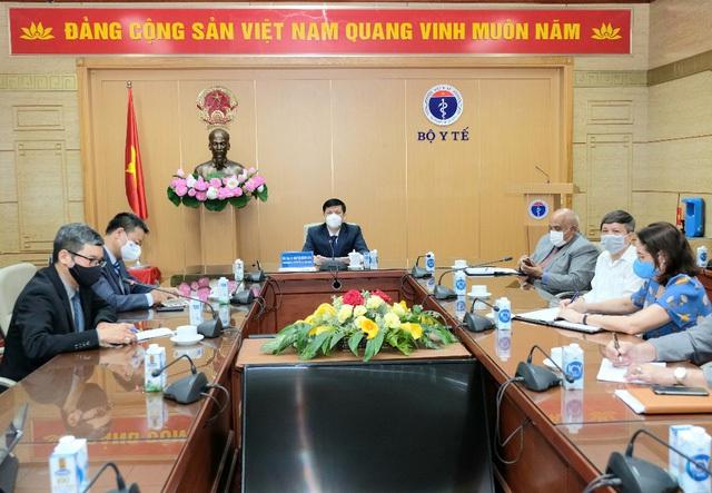 Bộ trưởng Bộ Y tế đàm phán với Cuba về hợp tác sản xuất vaccine - Ảnh 3.