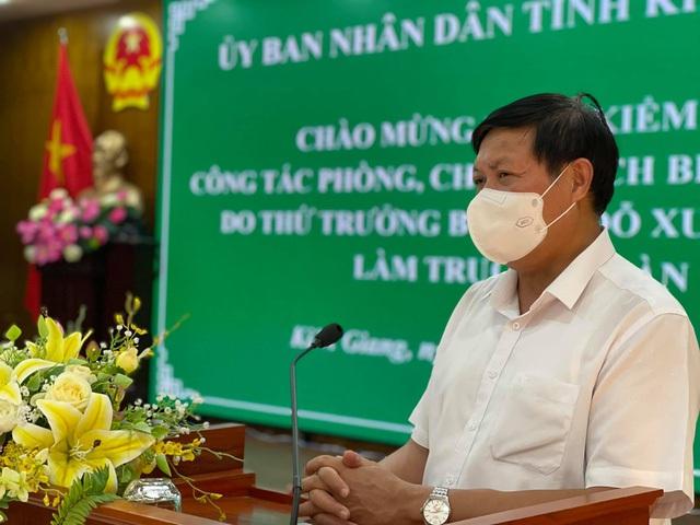 Thứ trưởng Bộ Y tế: Kiên Giang phải có sự chuẩn bị tốt mới có thể thí điểm hộ chiếu vaccine - Ảnh 2.