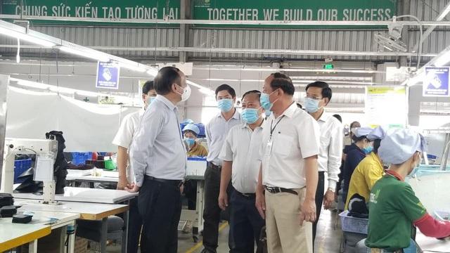 Thứ trưởng Bộ Y tế: Kiên Giang phải có sự chuẩn bị tốt mới có thể thí điểm hộ chiếu vaccine - Ảnh 4.