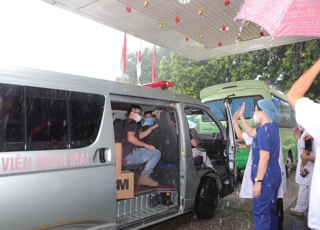 Chuyên gia hàng đầu của Bạch Mai vào TP.HCM khảo sát lập bệnh viện hồi sức - Ảnh 4.